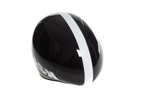 The helmet has been aerodynamically optimized for most common head positions.