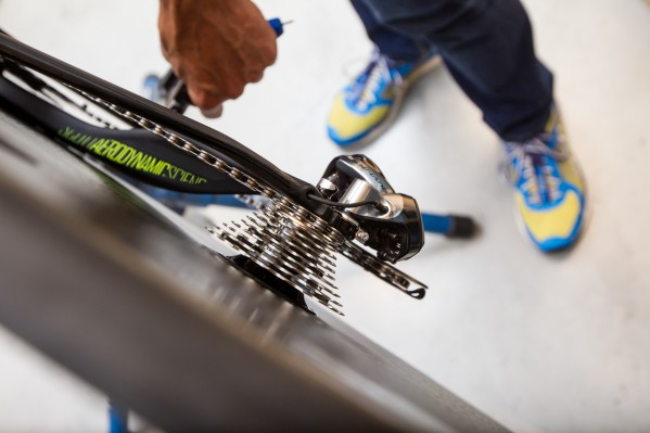 Finally, adjust the inner and outer end stops of the rear derailleur and fine-tune the Di2 gearing system in accordance with common practice and Shimano's instructions.
