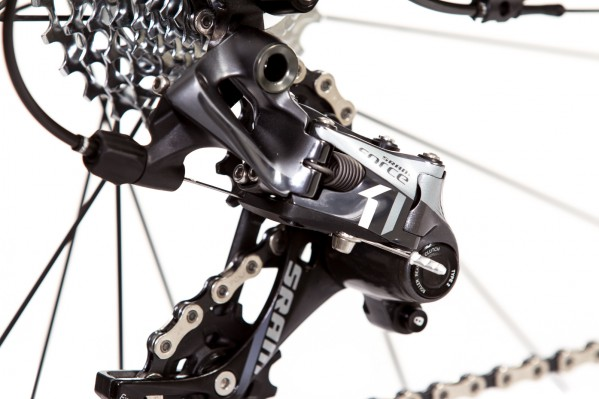 CX1 rear derailleur: makes sure the chain stays where it belongs