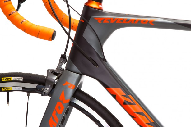 Slick cable routing and direct mount brakes not only in the front …
